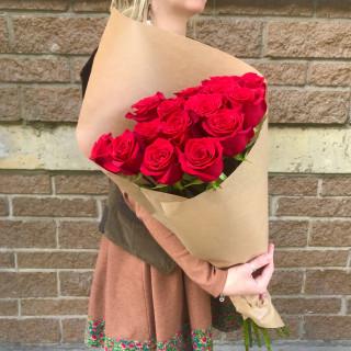 15 красных роз 80 см (Эквадор)