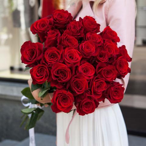 25 красных роз 70 см (Эквадор)