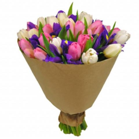Букет из тюльпанов с ирисами #1