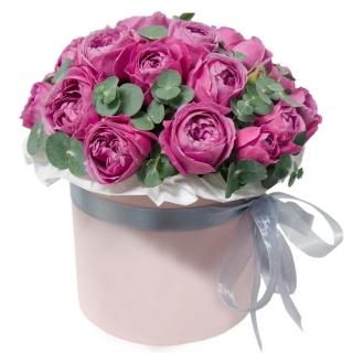 Шляпная коробка пионовидных роз
